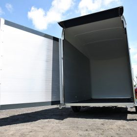 box van trailer rear door open