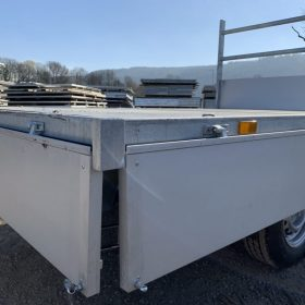 Single axle rear tipper trailer - sides down