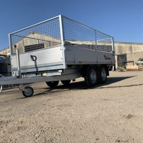 electric 3 way tipper trailer