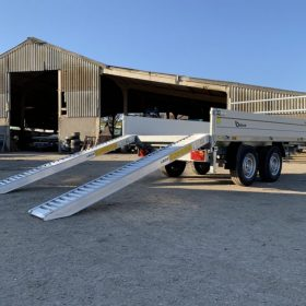 twin axle tipper trailer with ramps