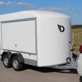 twin axle box van trailer with side opening hatch